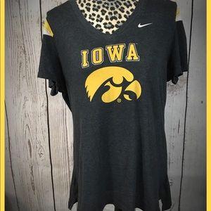 Iowa Hawkeyes Vneck T-shirt XL Nike